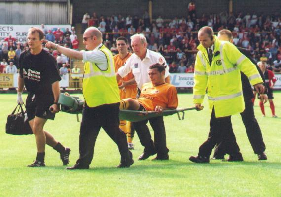 Elding stretchered off